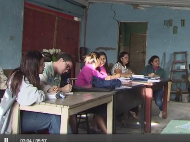 Cursos são gratuitos e funcionam em sete núcleos na região (Foto: Reprodução/TV Tribuna)