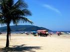 CET faz campanha para orientar pessoas nas praias de Santos, SP