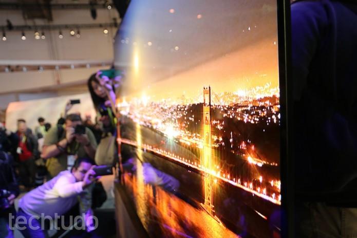 Sony é a primeira fabricante a colocar Google Assistant em TVs (Foto: Anna Kellen Bull/TechTudo)