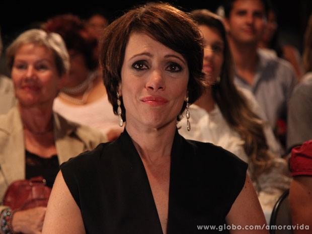 Joana se emociona durante a formatura de Luciano (Foto: Jacson Vogel/TV Globo)