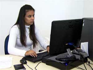 Estudante de educação física Gabriela Moreira da Silva, efetivada no estágio (Foto: Reprodução EPTV)