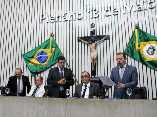Assembleia vota por aumento da contribuição à Previdência por parte dos servidores (Foto: Marcos Moura/AL)