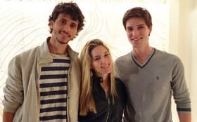 Na véspera do aniversário de 25 anos, Faro recebe visita da irmã e do cunhado