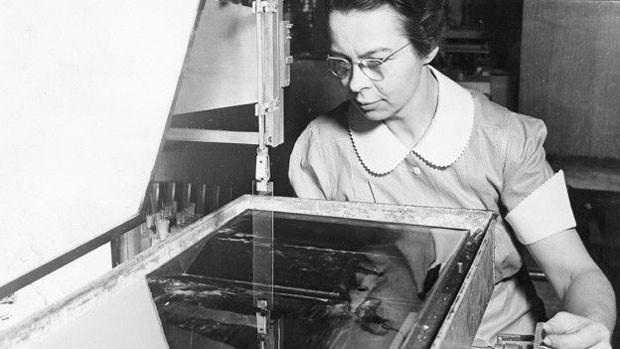 As pesquisas de Katharine Blodgett (1898-1979) criaram uma nova disciplina científica que teve aplicações práticas em campos como energia solar e circuitos integrados. (Foto: BBC)