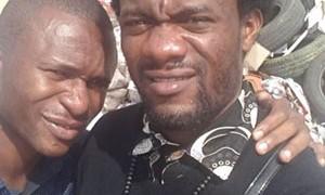 Angolanos promovem campanha contra lixo nas ruas fazendo selfies