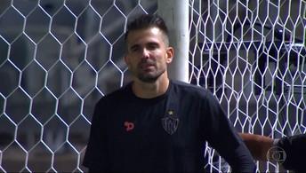 Em meio a desfalques, Marcelo Oliveira tenta montar time para jogo decisivo no Sul