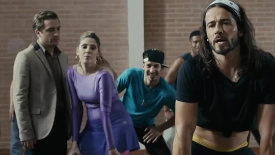 Fã de zumba, Dani Calabresa leva dança para 'Desculpe o transtorno'