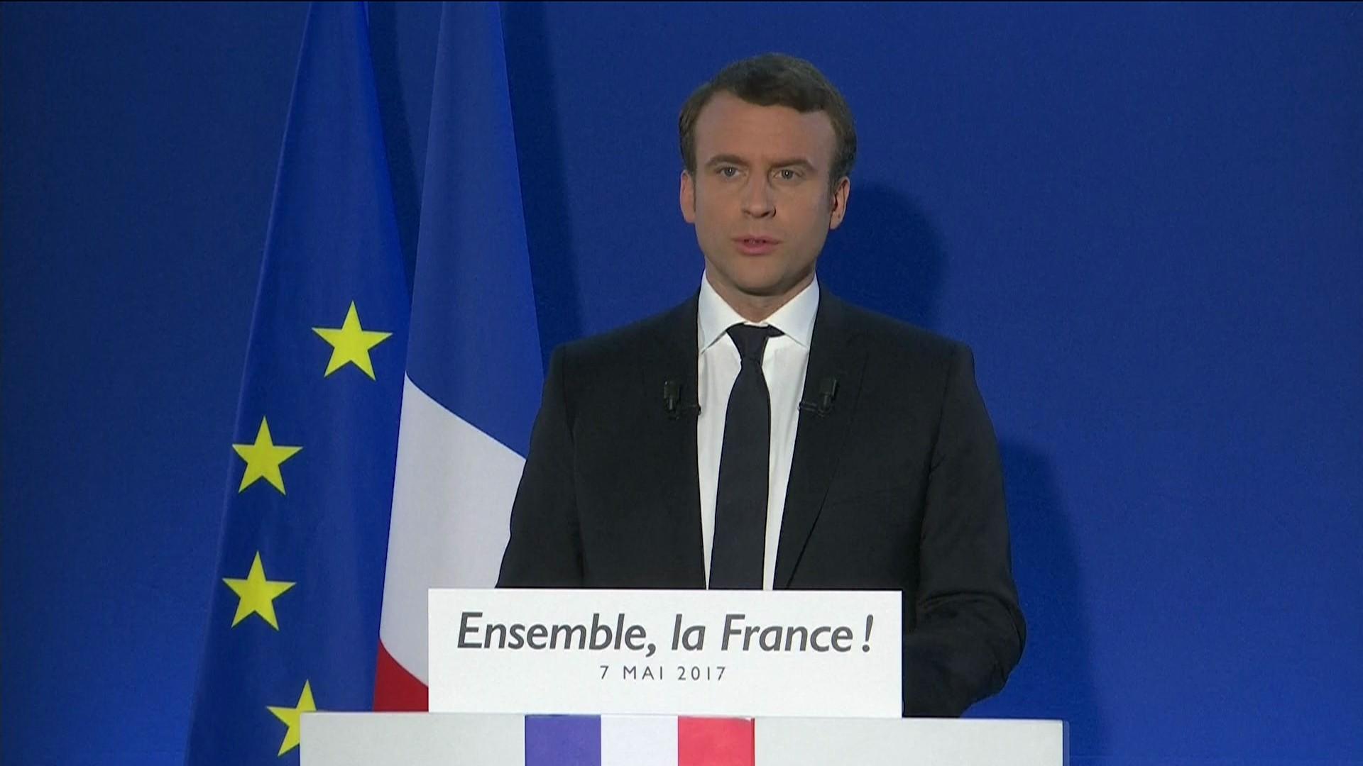 Emmanuel Macron discursa após vitória