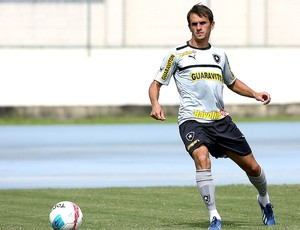 Lucas Botafogo treino (Foto: Satiro Sodré / Agif)