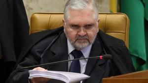 O procurador-geral da República, Roberto Gurgel, durante a primeira sessão do julgamento do Mensalão, no plenário do Supremo Tribunal Federal (STF) em Brasília.    (Foto: André Dusek/AE)