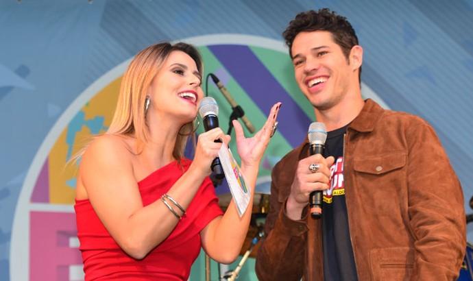 """José Loreto bateu papo sobre o filme """"Mais Forte Que o Mundo"""" no palco do Estúdio C (Foto: Marla Neto/RPC)"""