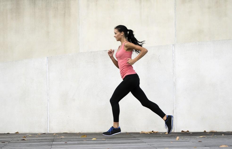 Corra para frente e tente manter a musculatura forte para evoluir no esporte (Foto: Getty Images)