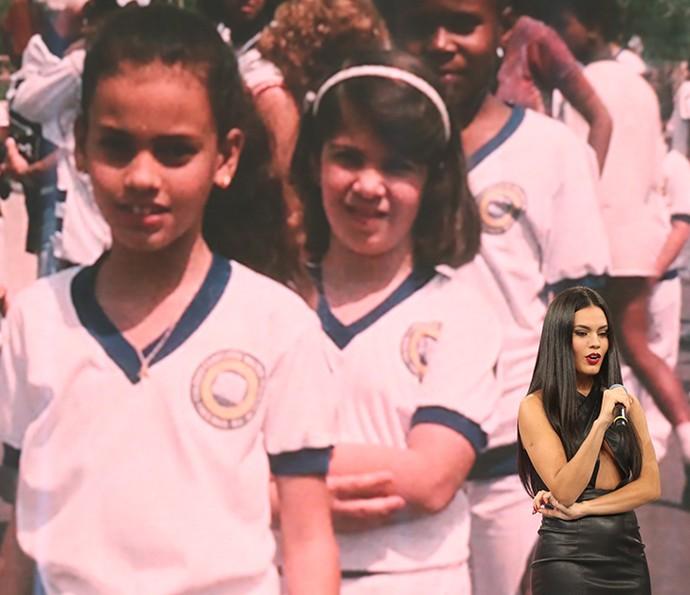 Letícia Lima relembrou a infância em Três Rios no palco do Domingão (Foto: Carol Caminha / Gshow)