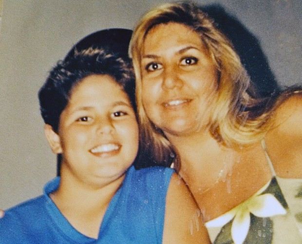 Leandro Buenno e mãe (Foto: Arquivo Pessoal)