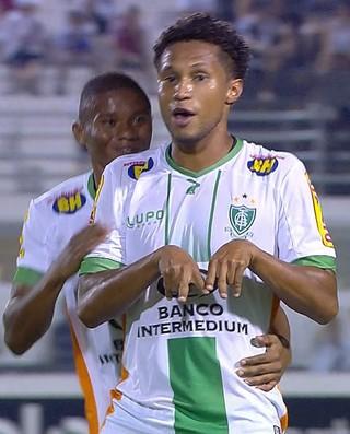 Jonas comemora primeiro gol no América-MG (Foto: Reprodução/ Premirere)