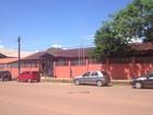Trio armado invade escola, rende vigilante e rouba televisor no Amapá