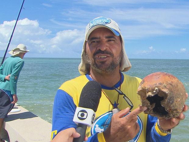 Crânio é encontrado em Olinda (Foto: Reprodução/TV Globo)
