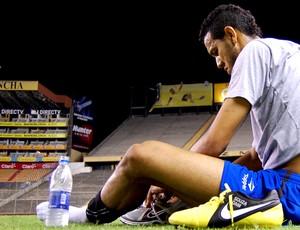 souza chuteira grêmio (Foto: Divulgação/TXT Assessoria)