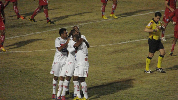 CRB venceu o Guaratinguetá no Martins Pereira, em São José dos Campos (Foto: Filippe Rodrigues/Globoesporte.com)
