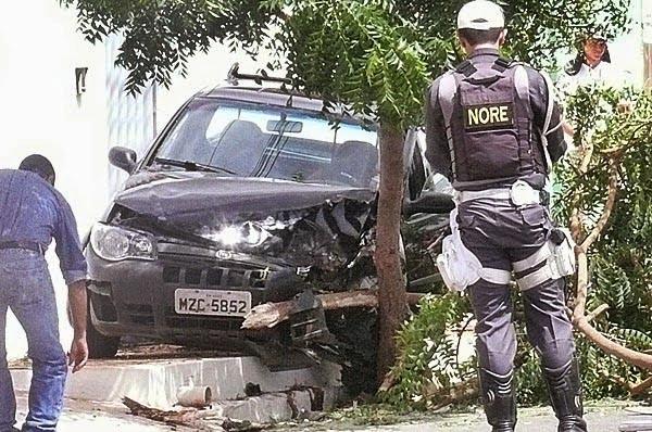 Acidente aconteceu em Assi nesta quarta-feira (23) (Foto: Francisco Coelho/Focoelho.com)