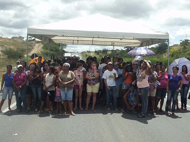 protesto (Foto: Fabiano dos Santos/Site Binho Locutor)