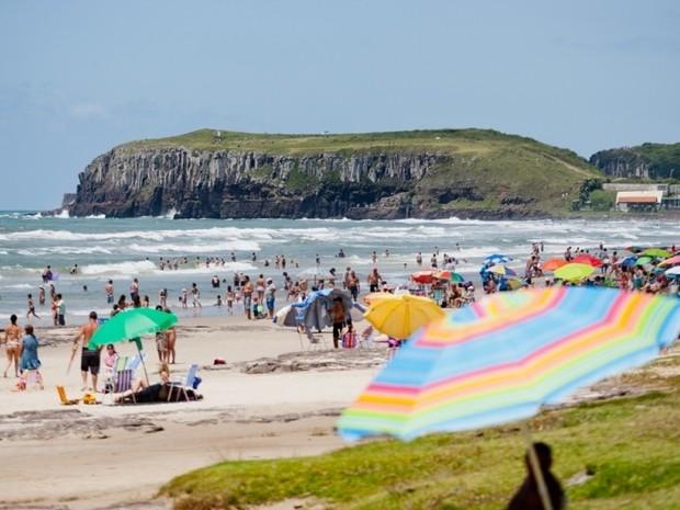 Praia torres litoral rio grande do sul (Foto: Fepam/Divulgação)