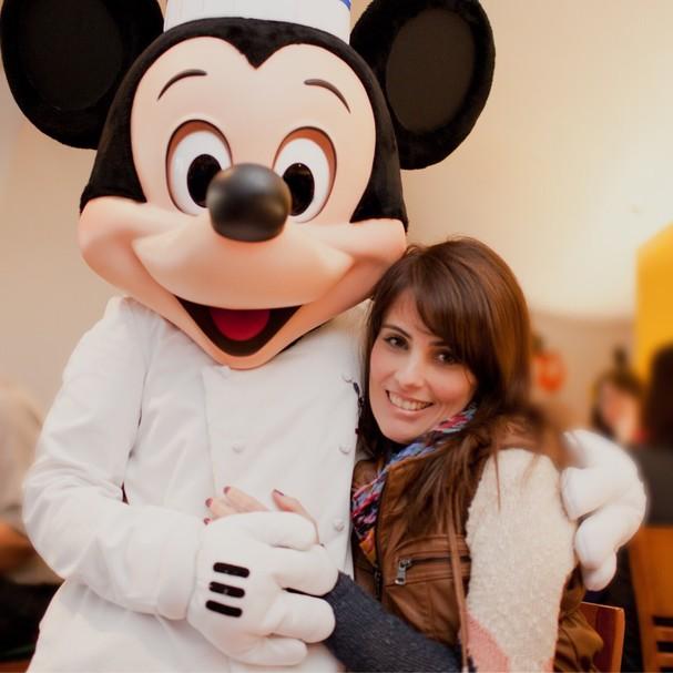 """O """"chef"""" Mickey e Mila Soares (Foto: Priscilla Barbosa)"""