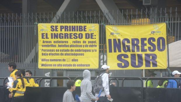 Millonarios tomou cuidado com a segurança no El Campín (Foto: Diego