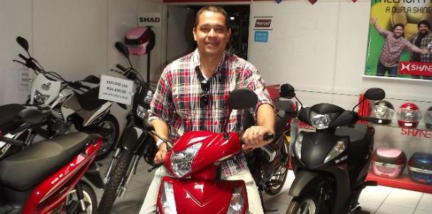 Marcelo Silva foi o ganhador da moto  (Foto: Divulgação/ Marketing OAM)