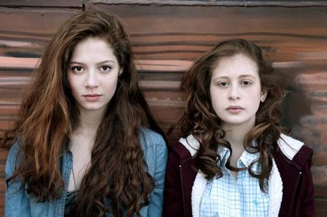 Camille (Yara Pilartz) e  Léna (Jenna Thiam) (Foto: Divulgação)