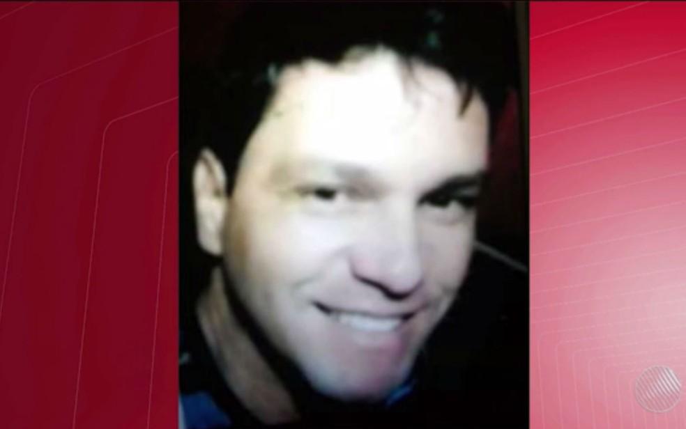 Suspeito de cometer crime fugiu e está sendo procurado, segundo a polícia (Foto: Reprodução/TV Sudoeste)