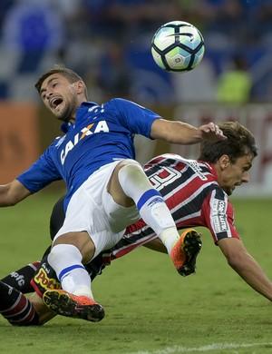 Arrascaeta; Rodrigo Caio; Cruzeiro; São Paulo (Foto: Washington Alves)
