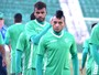 Edinho ganha vaga de Renato, mas  Chamusca deixa dúvida no Guarani