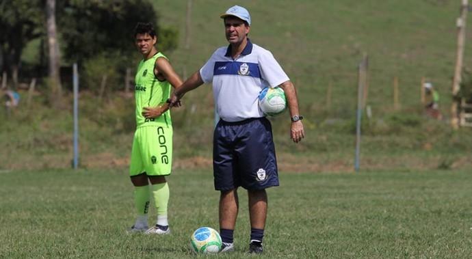 Junior Lopes, treinador do macaé (Foto: Tiago Ferreira / Divulgação)