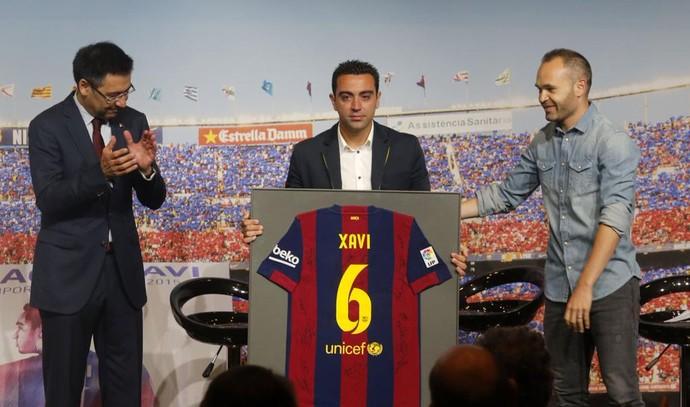Xavi despedida Barcelona (Foto: Reprodução/Twitter)