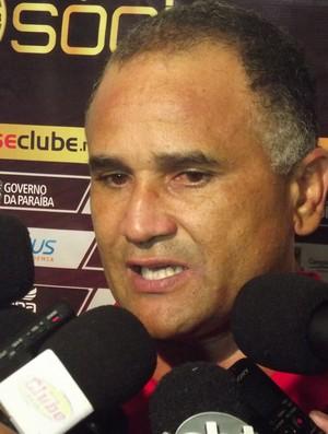 Oliveira Canindé, técnico do Campinense (Foto: Silas Batista / Globoesporte.com/pb)
