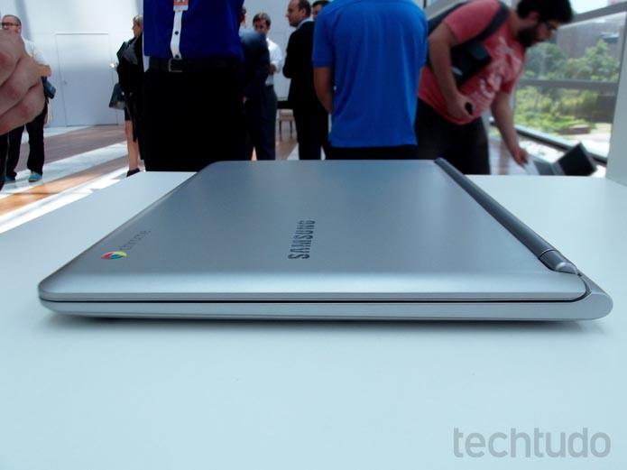 Chromebook da Samsung traz hardware simples, mas tem belo acabamento (Foto: Paulo Alves/TechTudo)