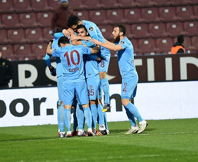 3a80ebb566 Antalyaspor perde a primeira com Samuel Eto o como técnico-jogador
