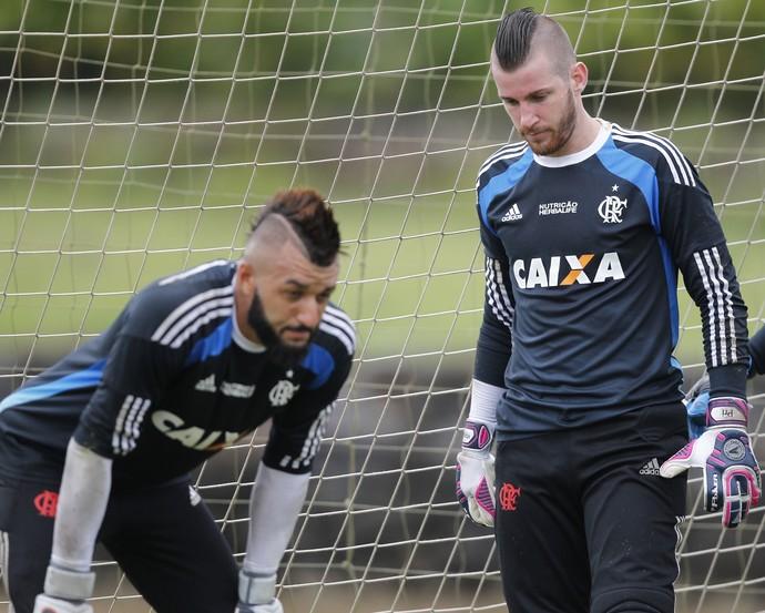 Alex Muralha e Paulo Victor Flamengo GALERIA (Foto: Gilvan de Souza/Flamengo)