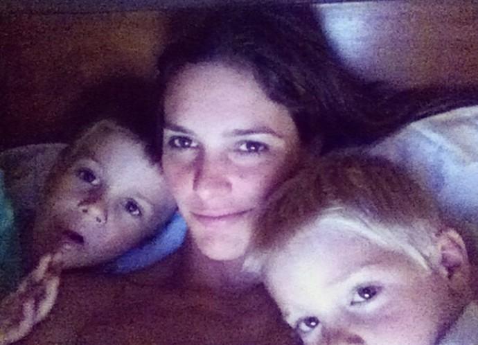 Fernanda Lima com os dois filhos: João e Francisco (Foto: Arquivo pessoal)