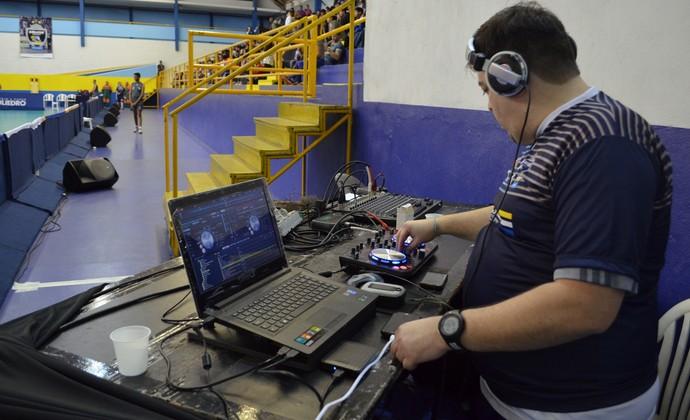 DJ São José Vôlei (Foto: Felipe Kyoshy/GloboEsporte.com)