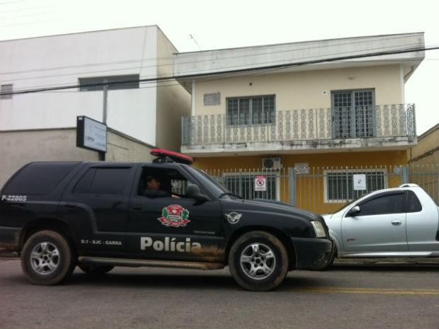 Polícia acredita em tentativa de assalto seguida de tentativa de homicídio (Foto: Carlos Santos/G1)