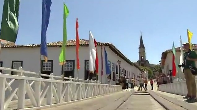 Cidade de Goiás recebe a tocha olímpica (Foto: Reprodução/TV Anhanguera)