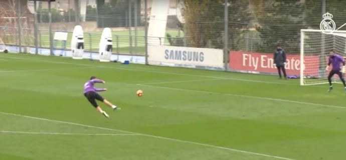 BLOG: Golaço de voleio e tabela com Zidane: CR7 dá show em treino do Real Madrid