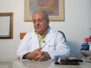 Médico responsável pela inseminação artificial em mulher de 61 anos em Santos (Foto: Anna Gabriela Ribeiro/G1)