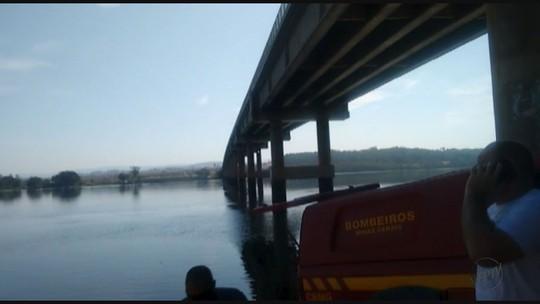 Bombeiros procuram por vítimas de afogamento no Sul de Minas