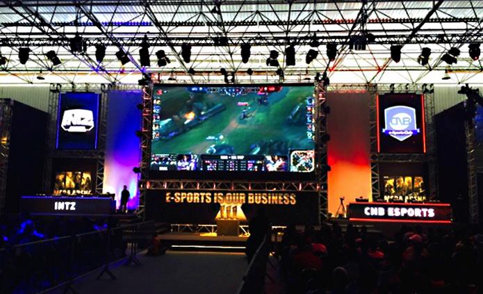 INTZ em sua partida contra a CNB no XMA Mega Arena.  (Foto: Bernado Dabul/TechTudo)