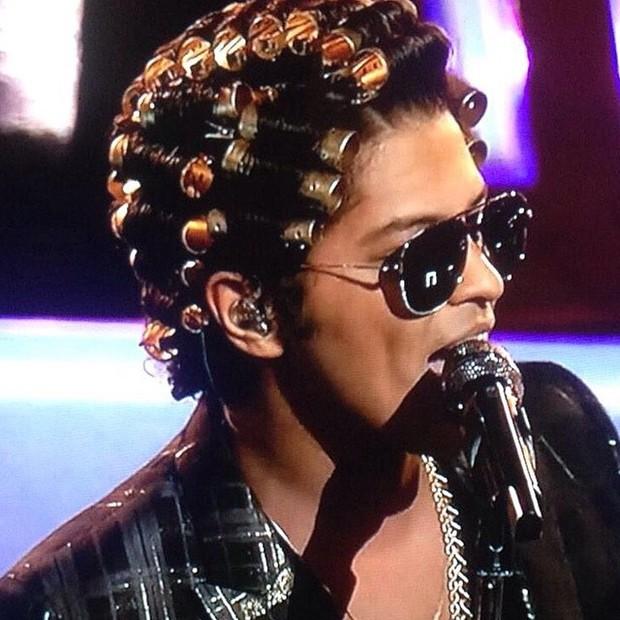 Bruno Mars canta na final do The Voice (Foto: Instagram/ Reprodução)