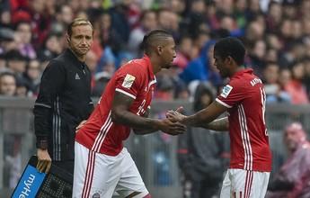 Douglas Costa tem lesão confirmada, mas Bayern não divulga gravidade