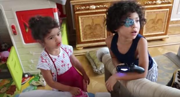Filhos de Dani Souza e Dentinho (Foto: Reprodução/Youtube)